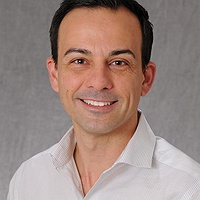 Alberto Bosque Headshot